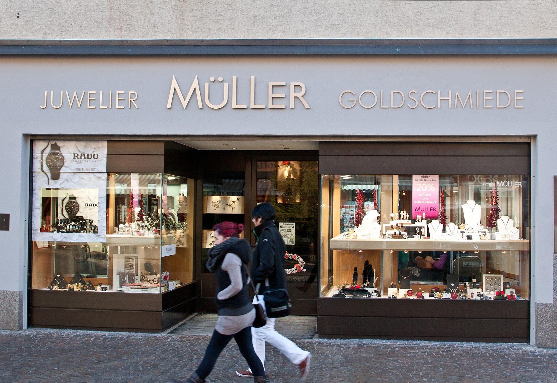 Edelstahl-Beschriftung Müller
